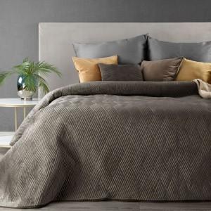 Luxusný hnedý prešívaný prehoz na manželskú posteľ