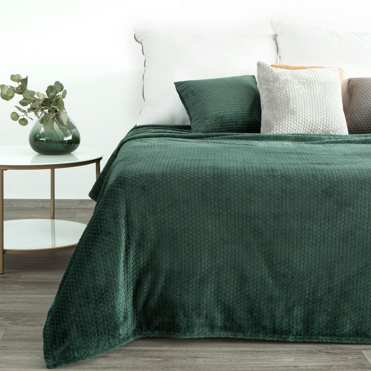 Tmavo zelená hrejivá deka s módnym reliéfnym vzorom Šírka: 150 cm   Dĺžka: 200 cm