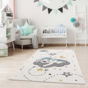 Kvalitný detský koberec s motívom spiaci medvedík