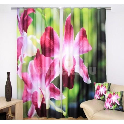 Závesy na okná zelenej farby s ružovými kvetmi