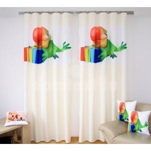 Krémový záves na okno so zeleným papagájom