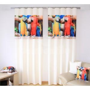 Závesy na okná krémovej farby s potlačou žltého a červeného papagája