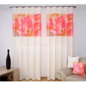 Záves na okno krémovo ružovej farby s kvetom