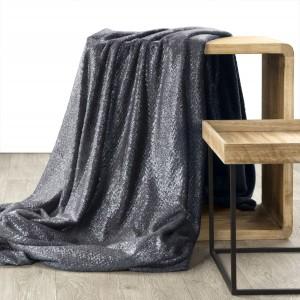 Grafitovo sivá glamour deka s módnym zig zag vzorom