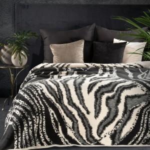 Luxusná krémovo čierna teplá akrylová deka s abstraktným zvieracím vzorom 150 x 200 cm