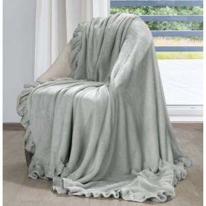Romantická svetlo sivá deka príjemná na dotyk s ozdobnými volánmi 150 x 200 cm