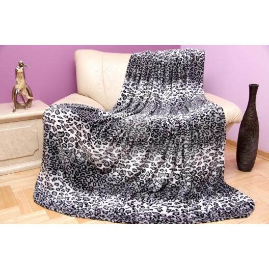 Moderná luxusná deka s čiernymi škvrnami