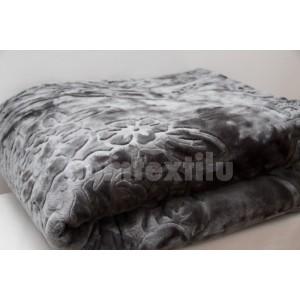Mäkká hrubá deka z akrylu šedej farby