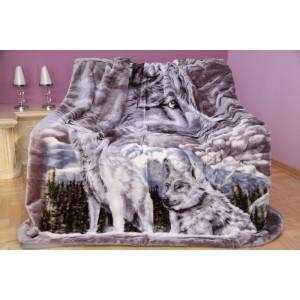 Mäkká luxusná deka z akrylu sivá s vlkmi