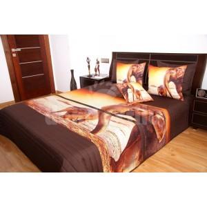 Prehoz na posteľ hnedej farby s motívom slonov