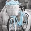 Záves do izby sivej farby s modrým bicyklom