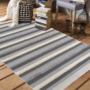 Nadčasový koberec v škandinávskom štýle v sivej farbe